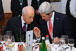 Secretary Kerry Speaks With Israeli President Peres in Davos
