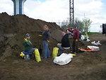 Volunteers Fill Sand Bags