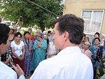 Assistant Secretary Blake Speaks With Ethnic Uzbek Women