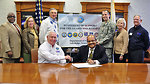 DOE-ORO Manager Larry Kelly, accompanied by retired Major General Jack D'Araujo, ESGR Tennessee Area Chair,  recently signed a Statement of Support with Department of Defense (DOD) Committee for Employer Support of Guard and Reserve (ESGR) enhancing ORO