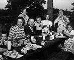 Blankenship Family Enjoying a Picnic in Oak Ridge