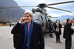 Secretary Kerry Pauses Before Helicopter Flight Across Switzerland