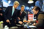 Secretary Kerry and Ambassador Kim Order Fried Rice Cake in Seoul Market