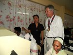 Under Secretary Burns Observes Filipinos Work on a USAID-Funded Project
