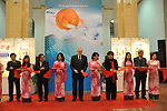 U.S. Ambassador David Shear opens safe medicine exhibition in Hanoi