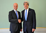 Secretary Kerry Meets With Swedish Prime Minister Reinfeldt