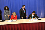 Secretary Clinton and Salvadoran Prime Minister Martinez Sign a Memorandum of Understanding
