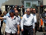 Special Envoy Mitchell Visits the Kerem Shalom Crossing