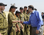 Ambassador Shapiro Meets With Israeli Soldiers