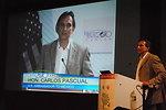 Ambassador Pascual Introduces Secretary Chu