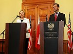 Secretary Clinton and Polish Foreign Minister Sikorski Respond to Questions