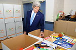 Secretary Kerry Makes a Donation to the Feds Feed Families Food Bank Drive