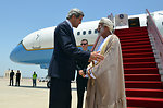 Secretary Kerry Bids Farewell to Omani Foreign Minister Yussef bin Alawi bin Abdullah