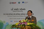 Mr. Nguyen Viet Hung, Deputy Chairman of Nam Dinh's People's Committee, speaks at the launching event.