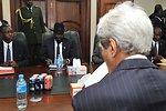 Secretary Kerry, South Sudanese President Kiir Look Over Notes Before Meeting in Juba