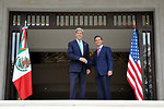 Secretary Kerry, Mexican President Peña Nieto Pose at Los Pinos in Mexico City