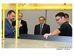 Pantex Plant manager Steve Erhart briefs Secretary Chu on special tools developed for NNSA's life extension and dismantlement programs during a visit to NNSA's Pantex Plant. (Aug. 11, 2010)