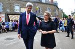 CNN Reporter Labott Interviews Secretary Kerry in Brittany Town