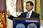 Shinseki Cites Collaboration in Mental Health Care