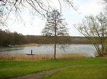 Deutsch:  Der Dagowsee bei Neuglobsow im Rheinsberger Seengebiet.   Object location 53°09′04.21″N, 13°03′13.54″E  View this and other nearby images on: OpenStreetMap - Google Maps - Google Earth  53.151169; 13.053761