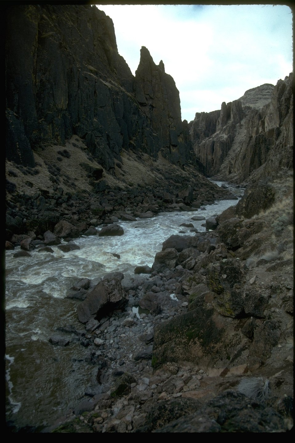 The Widow Maker Rapids on the Owyhee Wild River in the Owyhee Canyon.  OR 3-195