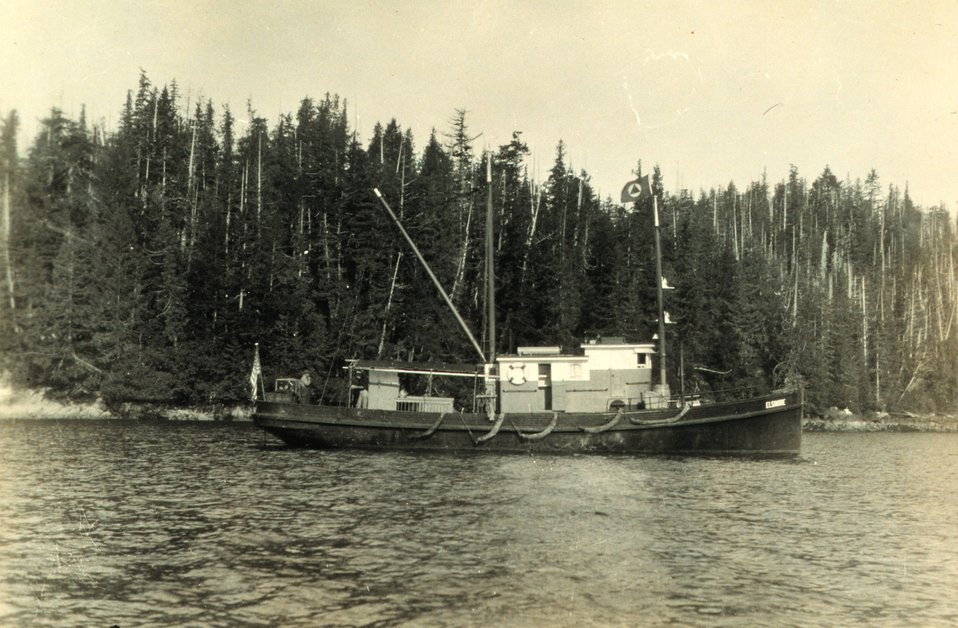 The chartered launch ELSINORE. Used for wiredrag.