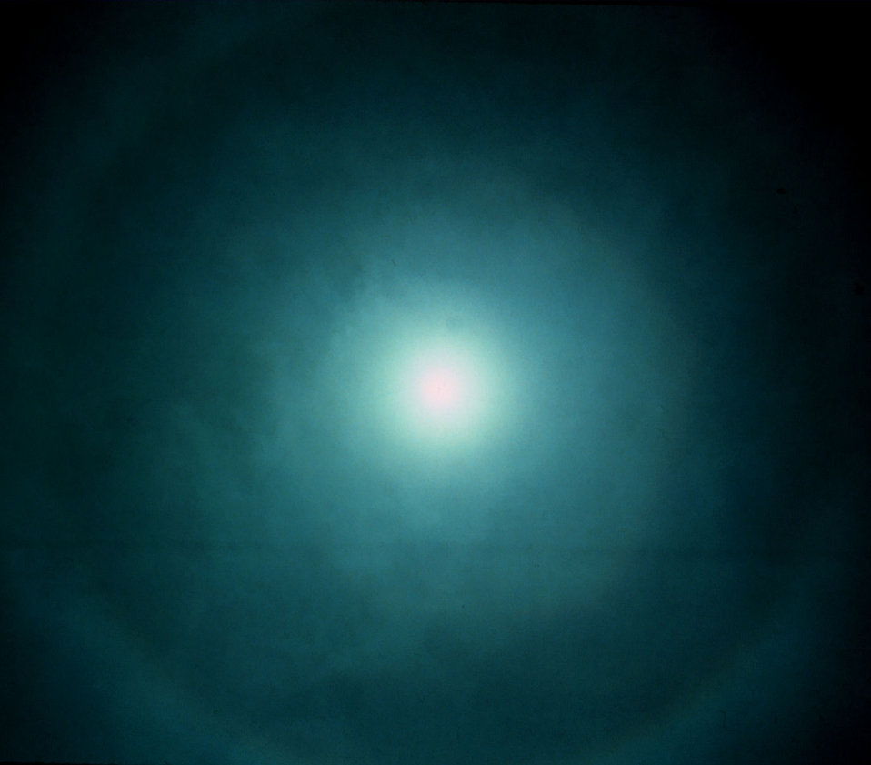 Halo at 22 1/2 degrees around overhead sun