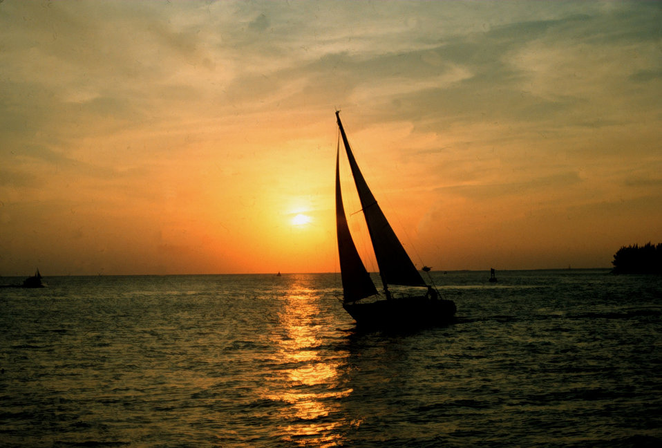 Sailing days sunset