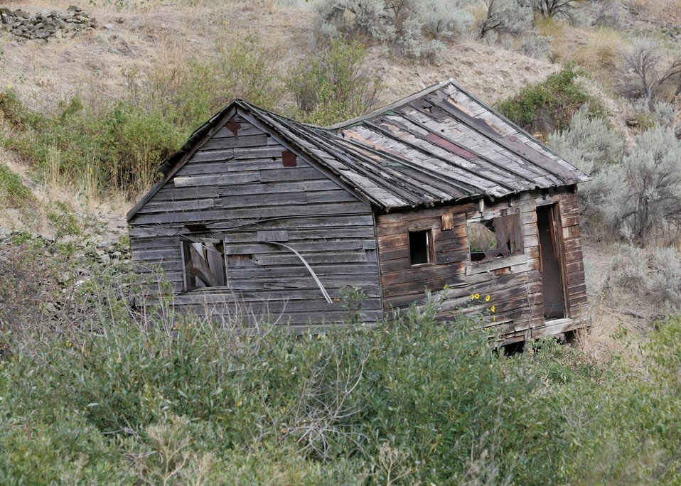 Historic mining cabin along Connor Creek in eastern Oregon.