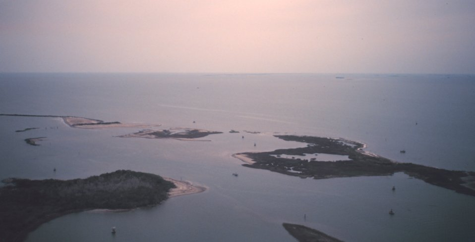Islands north of East Timbalier Island