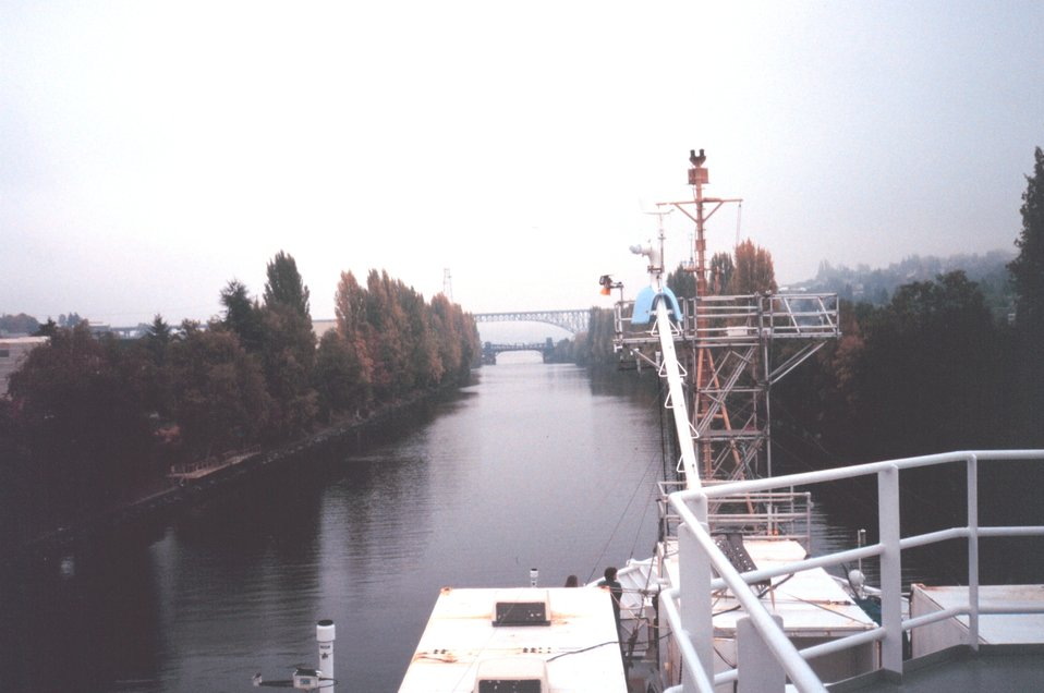 The NOAA Ship RONALD H. BROWN traversing the cut into Lake Union from Puget Sound.