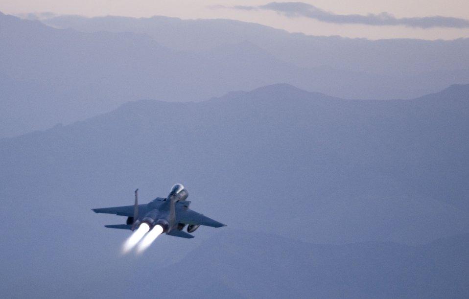 Strike Eagles fly dawn patrol
