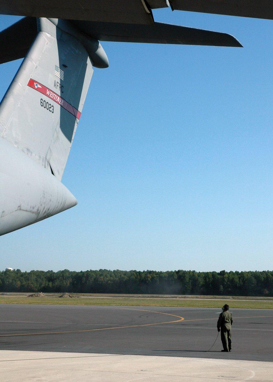 Reservists oversee Dover C-5 Avionics Modernization Program