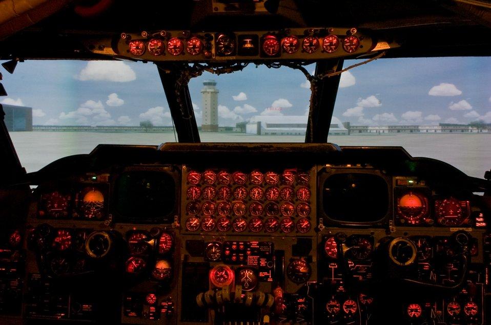 B-52 simulators receive overhaul