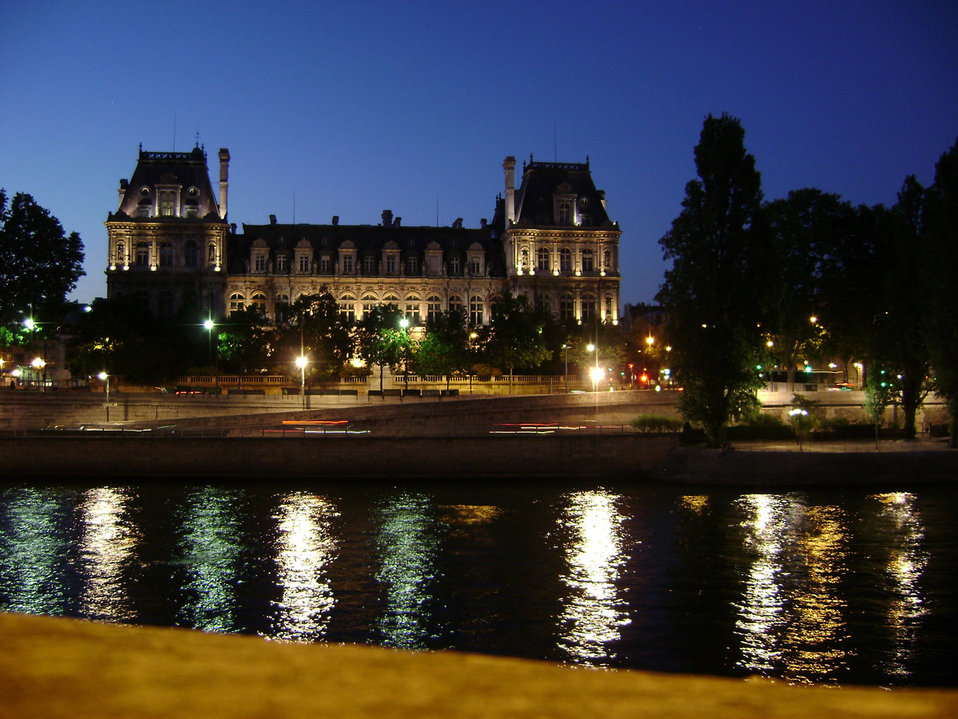 Night at the seine, paris