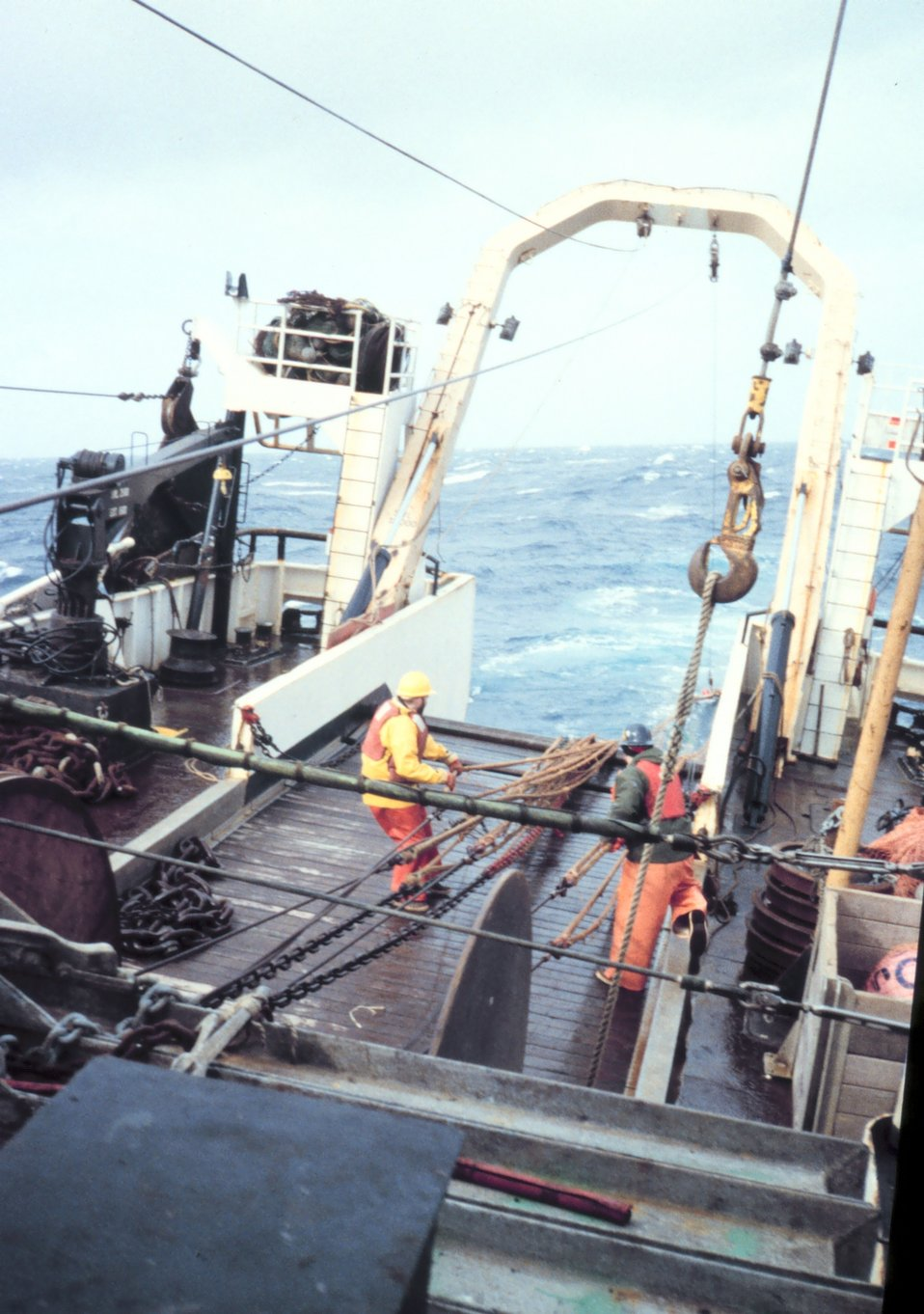 Beginning of haulback of net at the end of a trawl.
