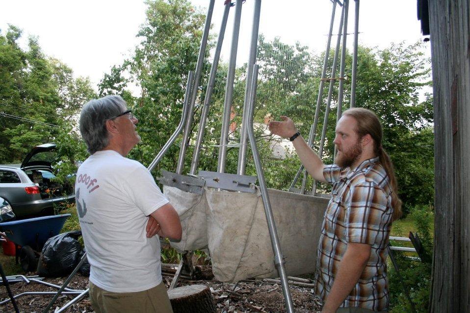 NYT science writer Jim Gorman talks to BU researcher Nate Fuller