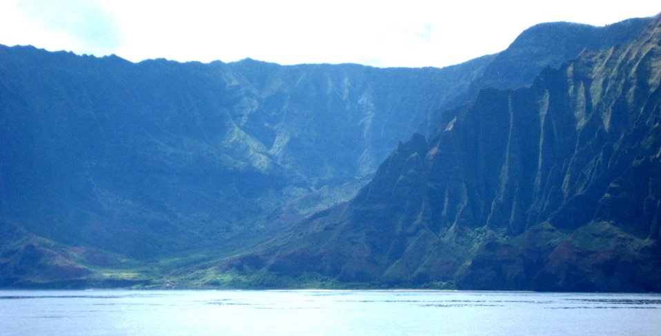 A view from offshore of the Na Pali coast, along the northwest shore of Kauai.