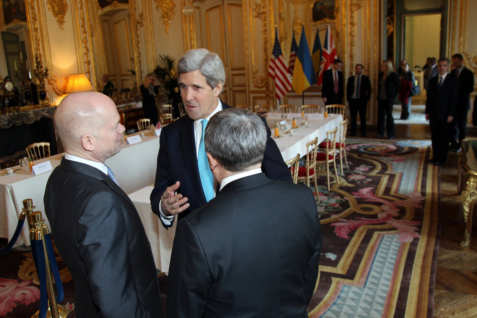Secretary Kerry Speaks With UK Foreign Secretary Hague and Ukrainian Foreign Minister Deshchytsia