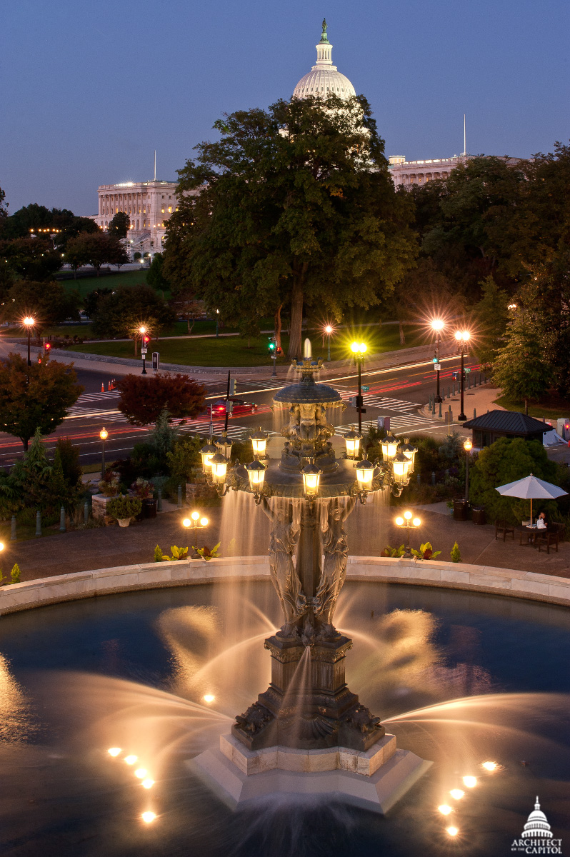 Bartholdi Fountain and Capitol in Summer