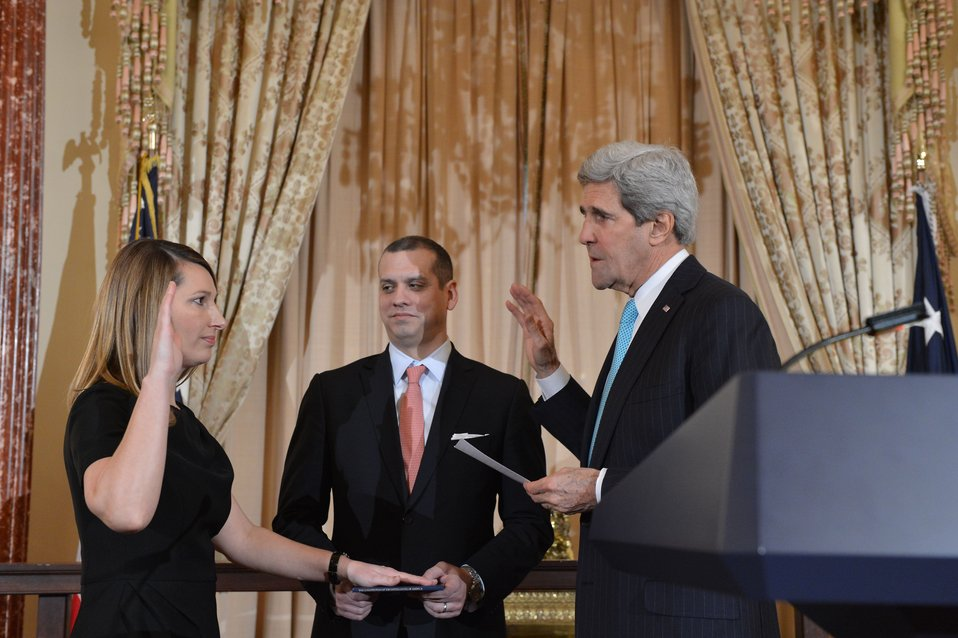 Secretary Kerry Swears in Heather Higginbottom as Deputy Secretary of State