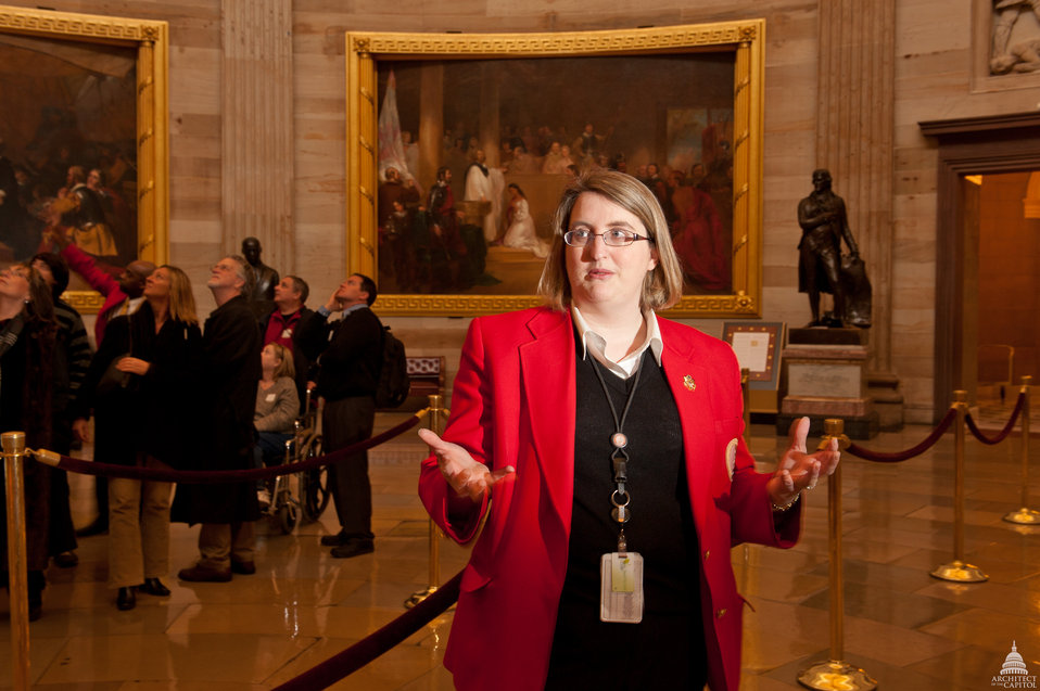 Visitor Guide Gives Tour of Rotunda