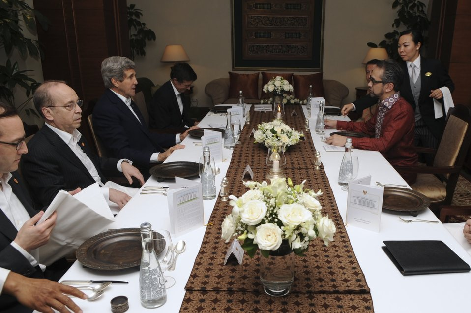 Secretary Kerry Meets Indonesian Foreign Minister Natalegawa in Jakarta