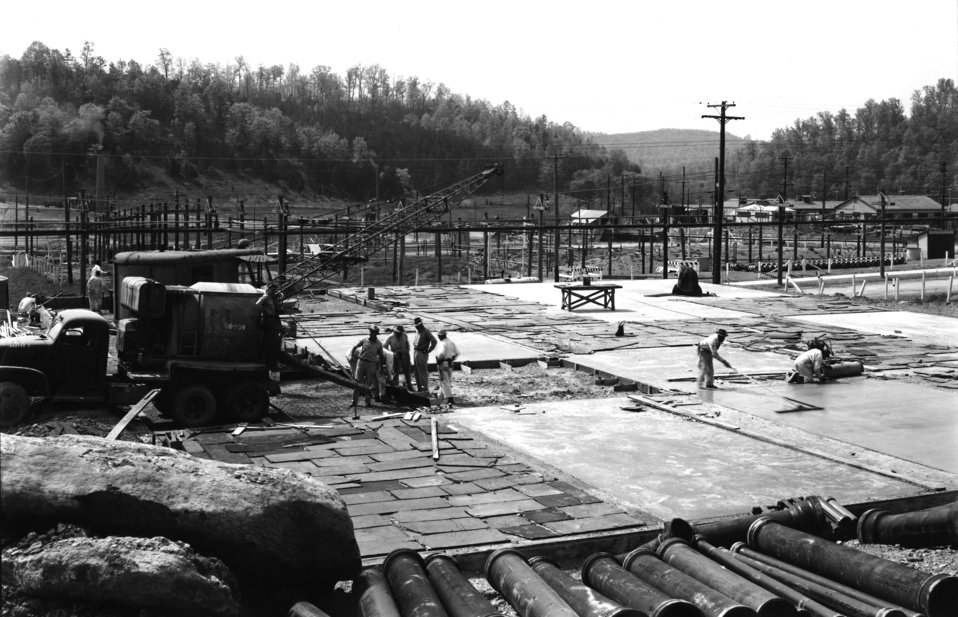 Early Construction ORNL 1943 Oak Ridge