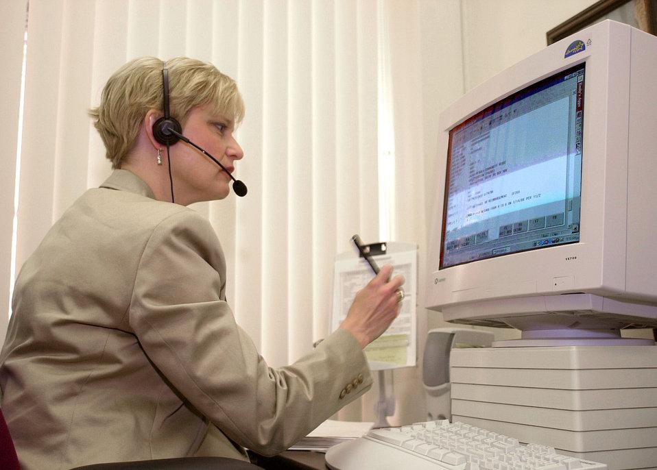 DOE Budget and finance working with on line customers Oak Ridge