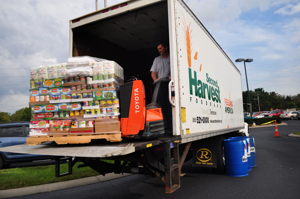 Second Harvest Feds Feed Families Oak Ridge