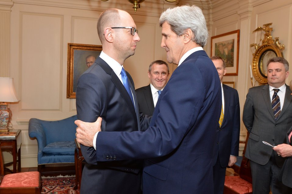 Secretary Kerry Greets Ukrainian Prime Minister Yatsenyuk