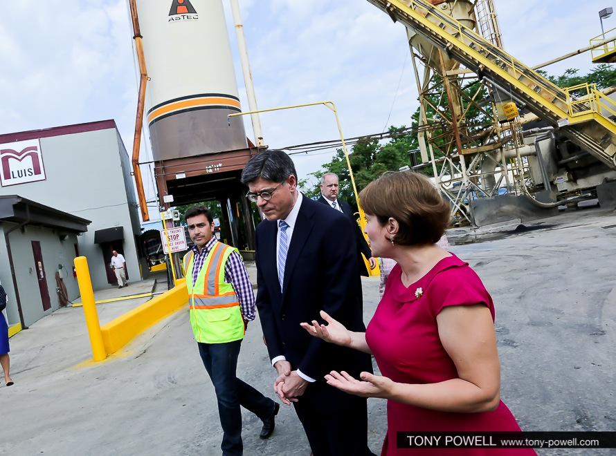 Secretary Lew tours family-owned business during Small Business Week
