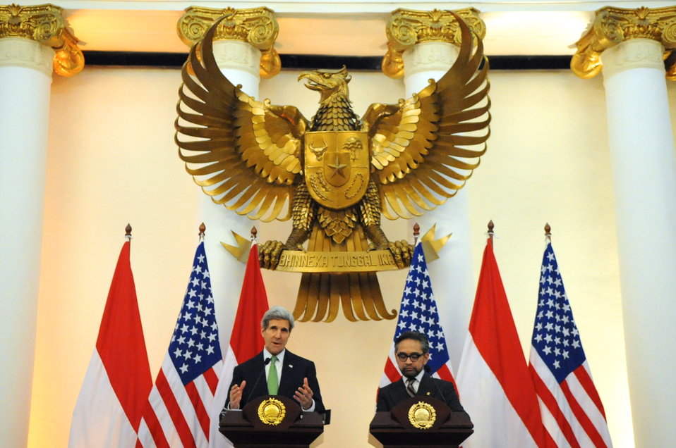 Secretary Kerry and Indonesian Foreign Minister Natalegawa Address Reporters in Jakarta
