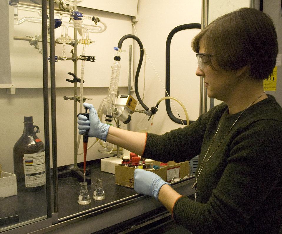 Spectroscopy; Terahertz spectroscopy; Biomolecule dynamics